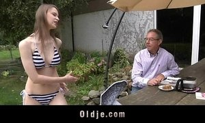 Old man gets to fuck with a beautiful young girl