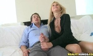 Brooke Tyler gets pussy pounded in Boner Bonus by BigTitsBoss