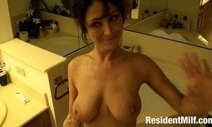 ambergets fucked in her bathtub
